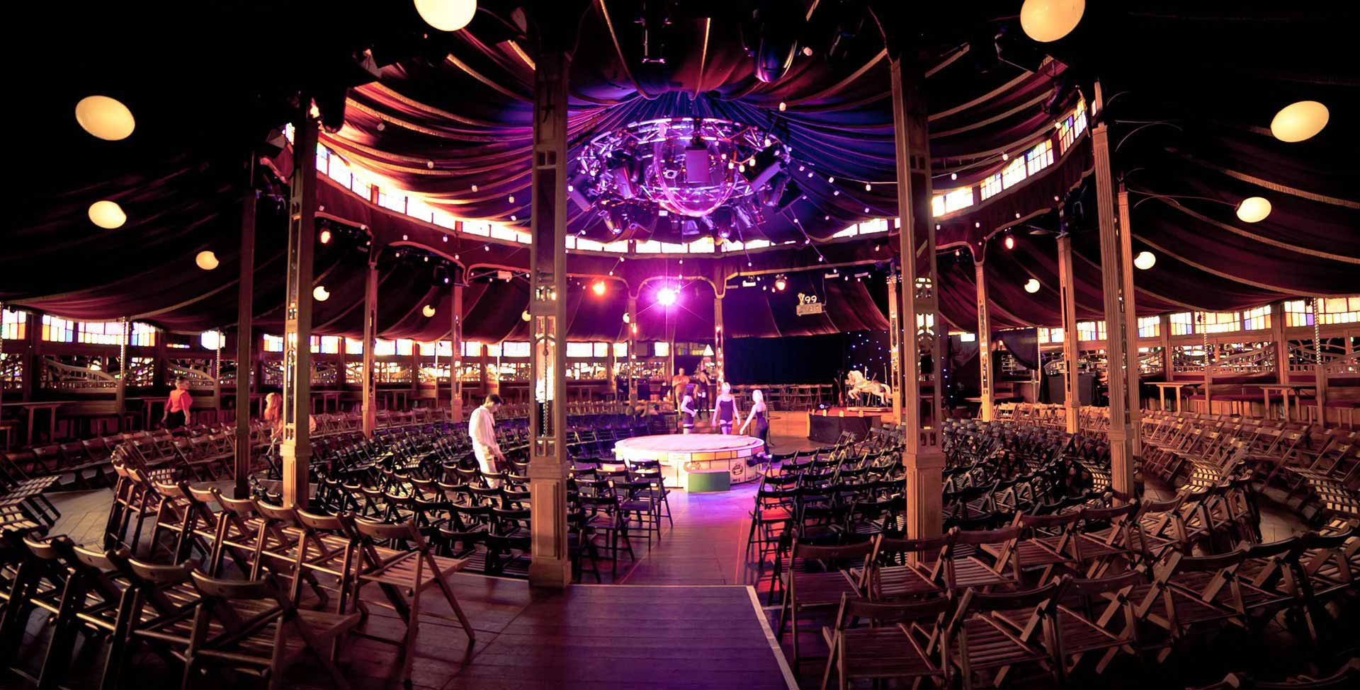 Stage spiegeltent Magic Mirror