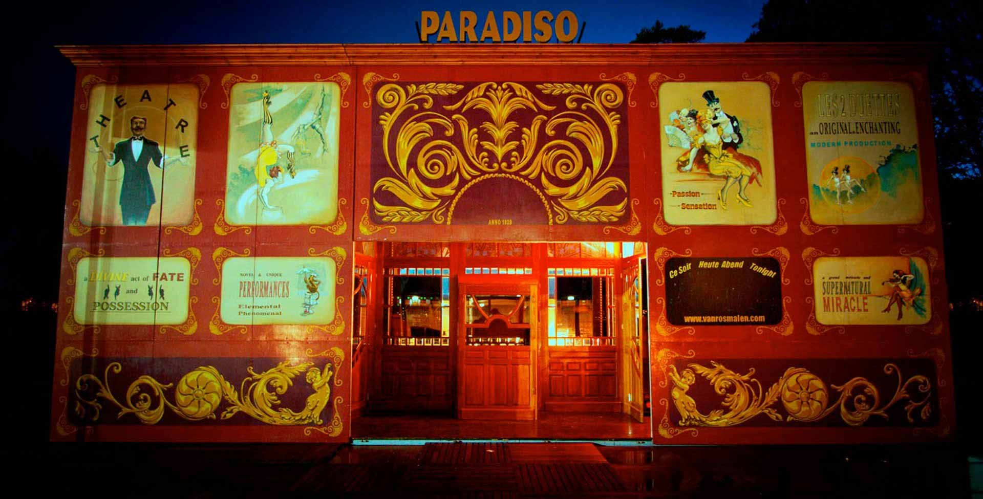 Front spiegeltent Paradiso