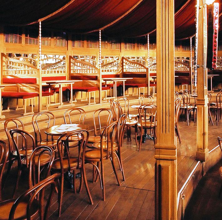 Interieur Spiegeltent Magic Mirror