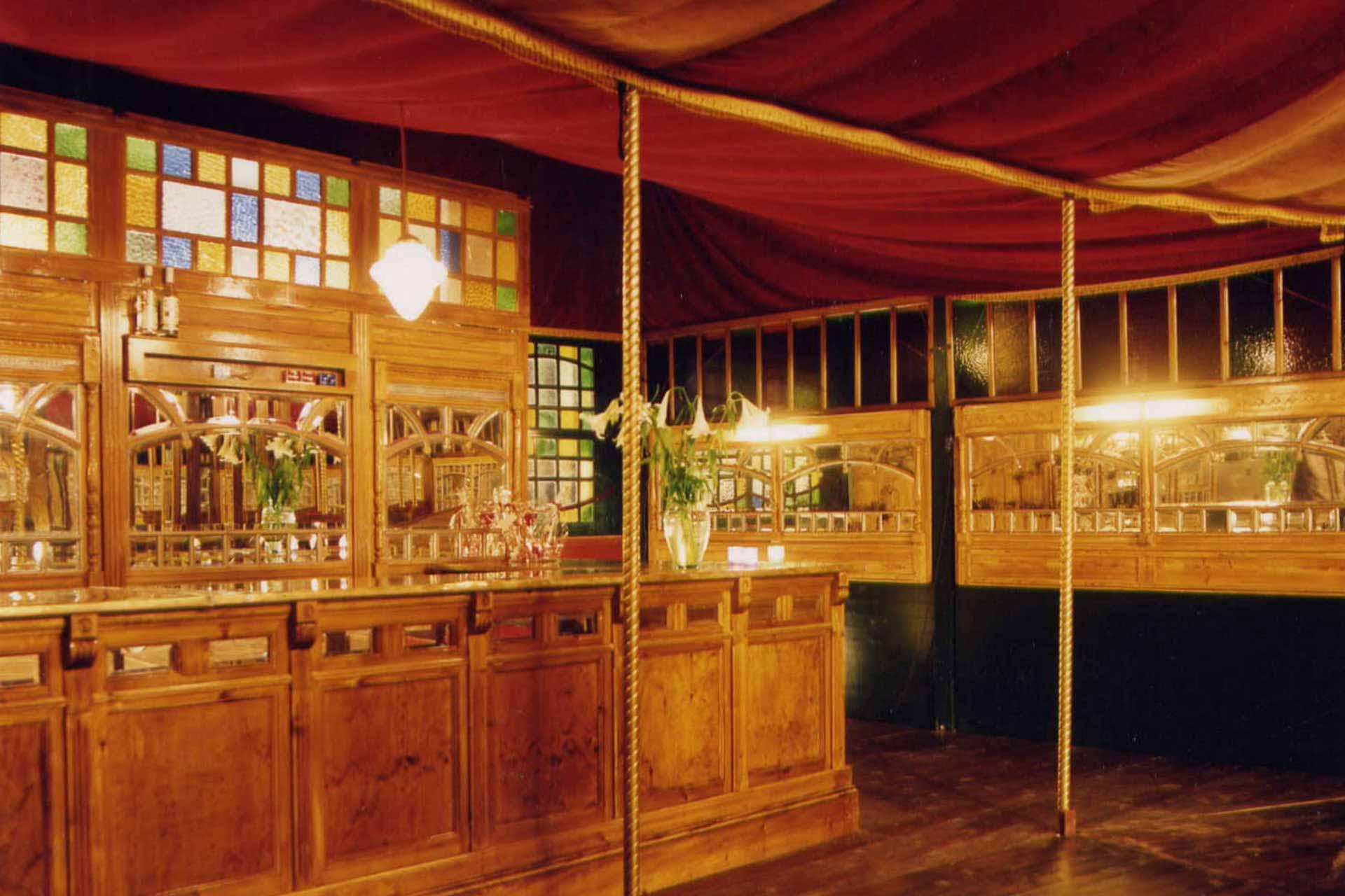 Bar spiegeltent De Parel van Vuren